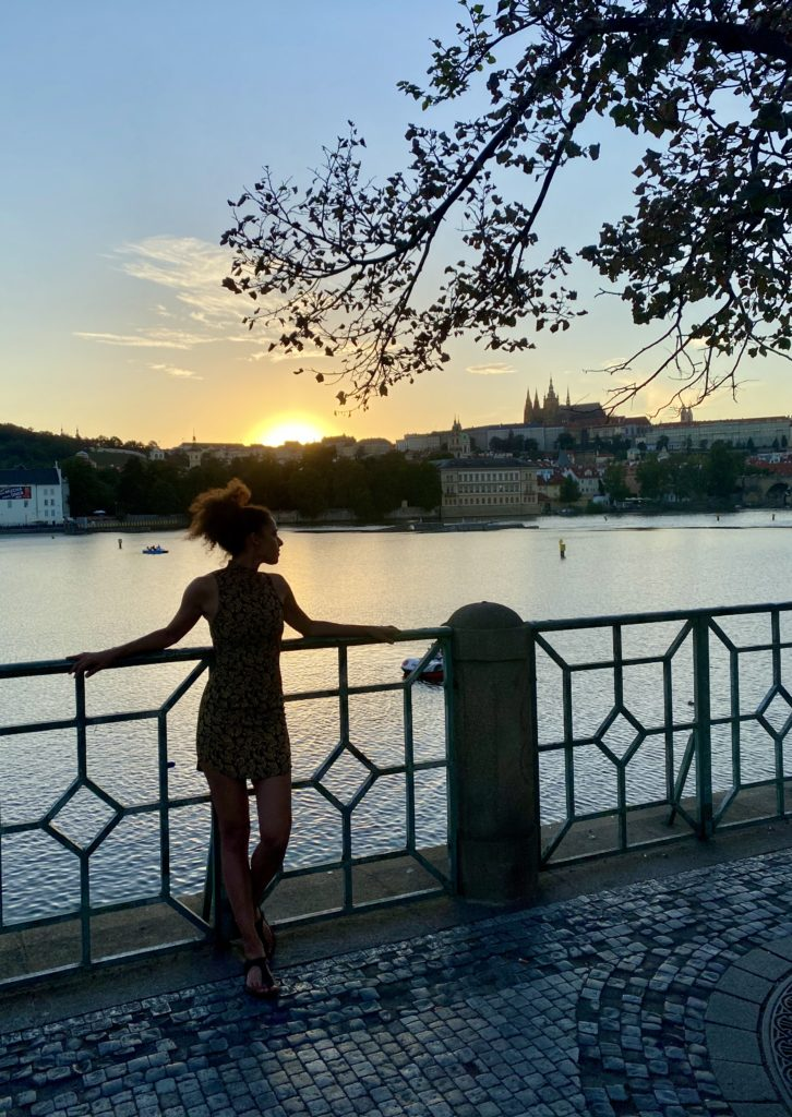 Petra für Netflix in Prag